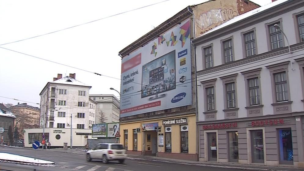 Problematický banner na Mendlově náměstí v Brně