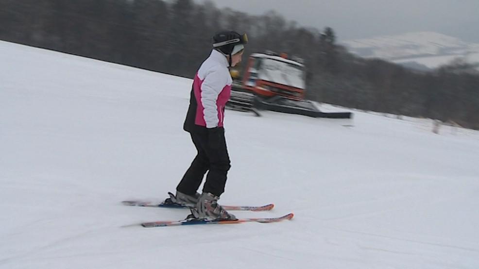 Svah v Újezdu nabízí i každodenní večerní lyžování