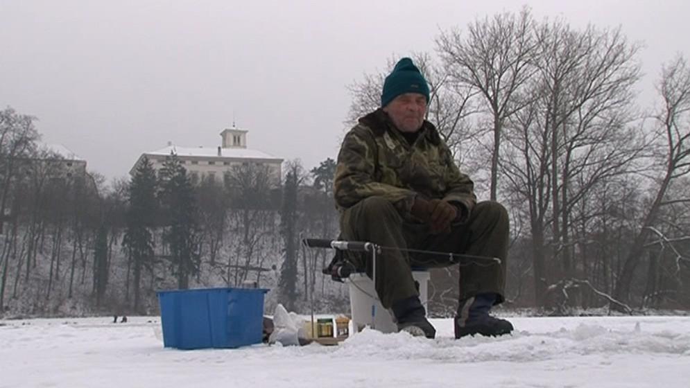 Rybáře neodradí ani teploty hluboko pod nulou