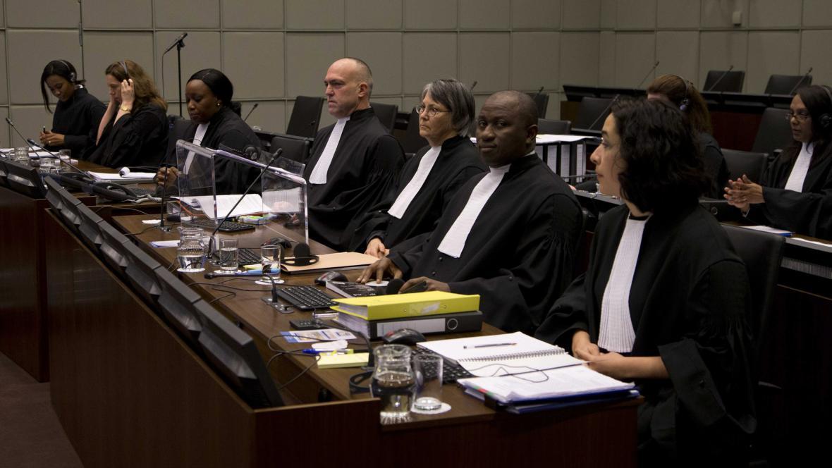 Odvolací soud s Charlesem Taylorem