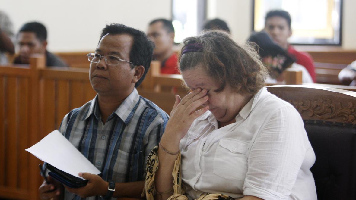 Lindsay Sandifordová u soudu v Indonésii