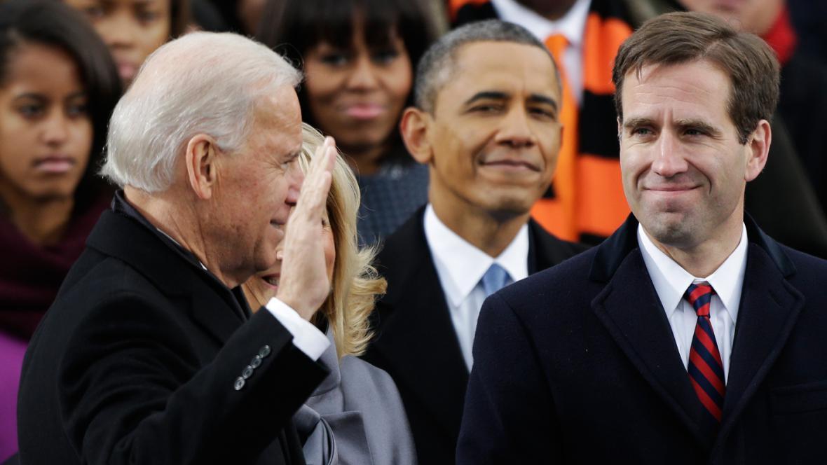 Viceprezident Joe Biden skládá přísahu