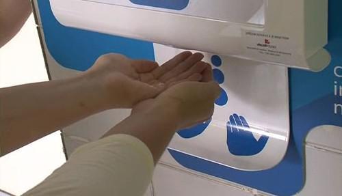 Přístroj pro dezinfekci rukou