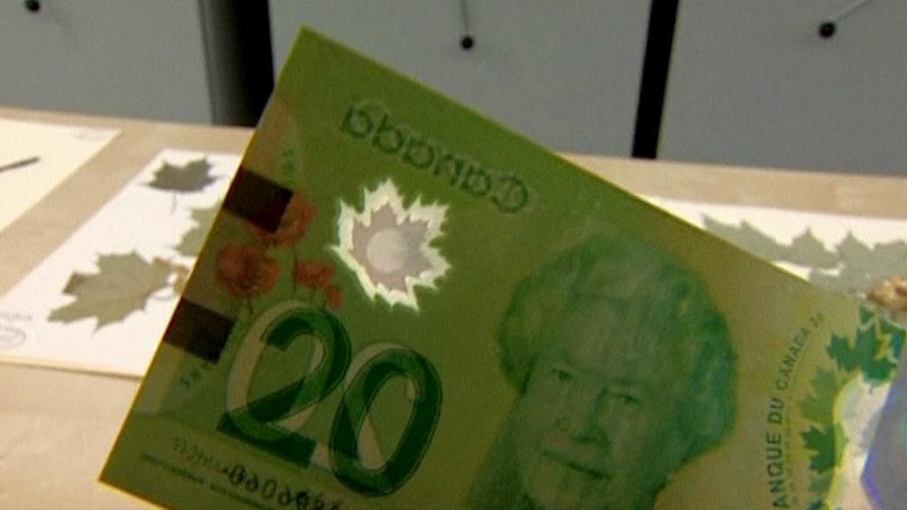 Nové bankovky jsou terčem kritiky kvůli nesprávným listům