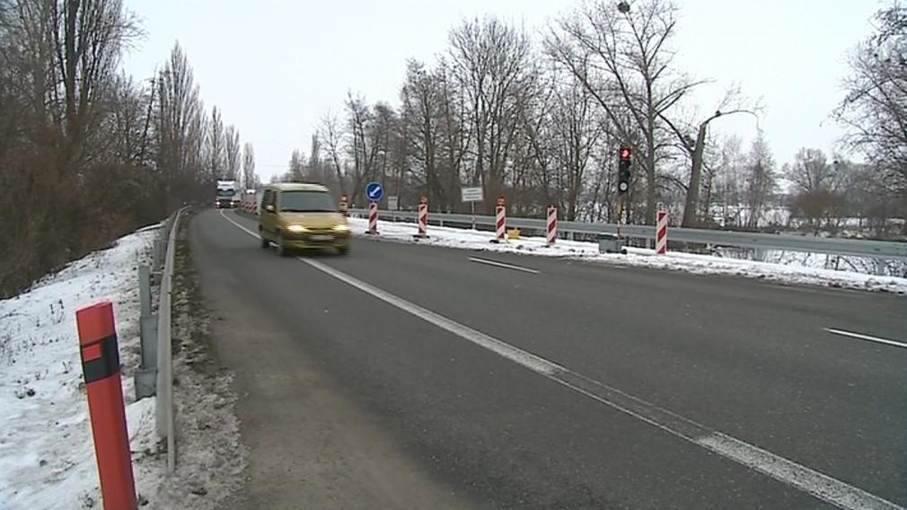 Kvůli semaforům si řidič počká v průměru čtyři minuty