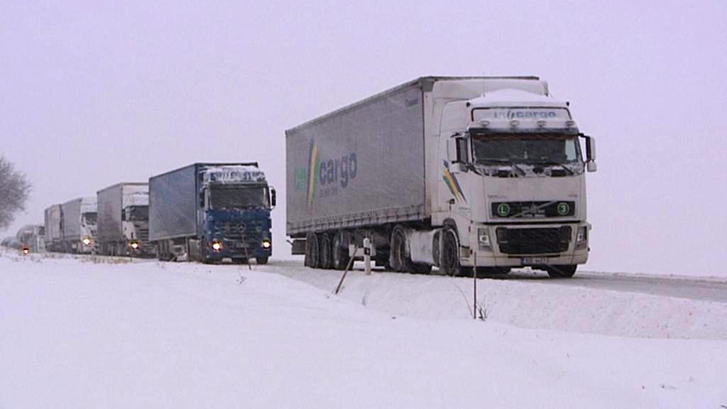Uvízlé kamiony