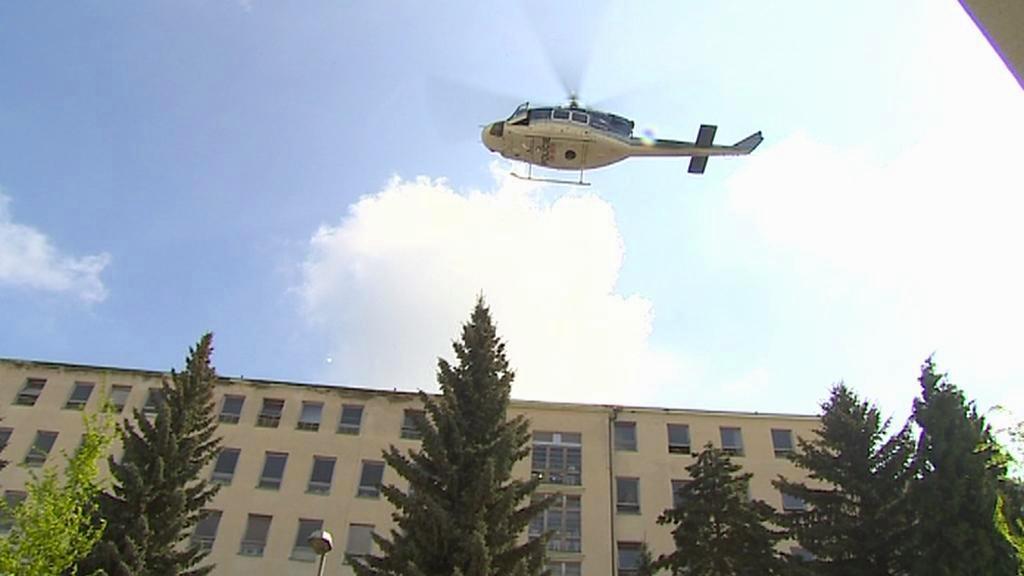 Vrtulník nad libereckou nemocnicí