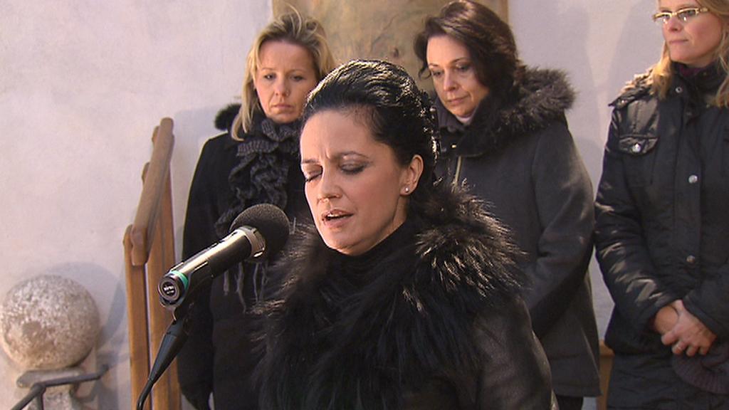 Zádušní mše za Jiřinu Jiráskovou / Lucie Bílá