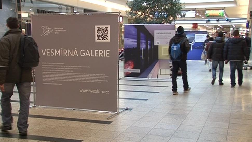 Vesmírná galerie v galerii nákupní