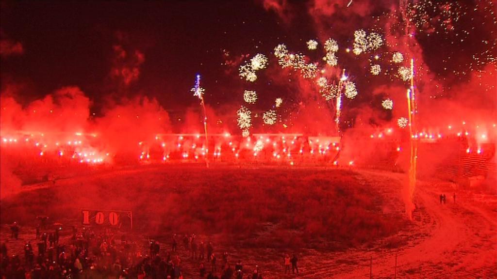Pochod za Lužánky skončil ohňostrojem přímo na stadionu