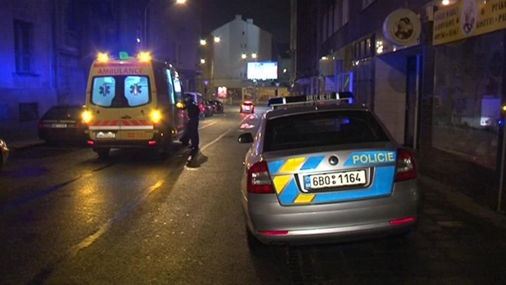 Na některá místa jezdí záchranáři jen v doprovodu policie