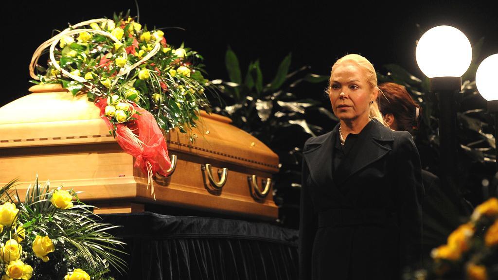 S oblíbenou herečkou se přišla rozloučit také Dagmar Havlová