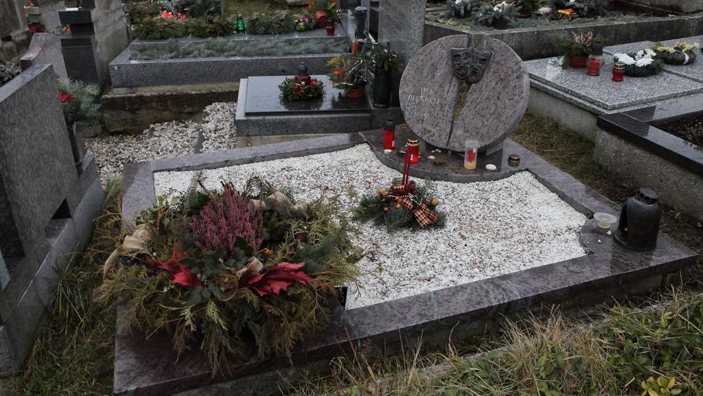 Jiřina Jirásková bude pochovaná na hřbitově v Malenicích
