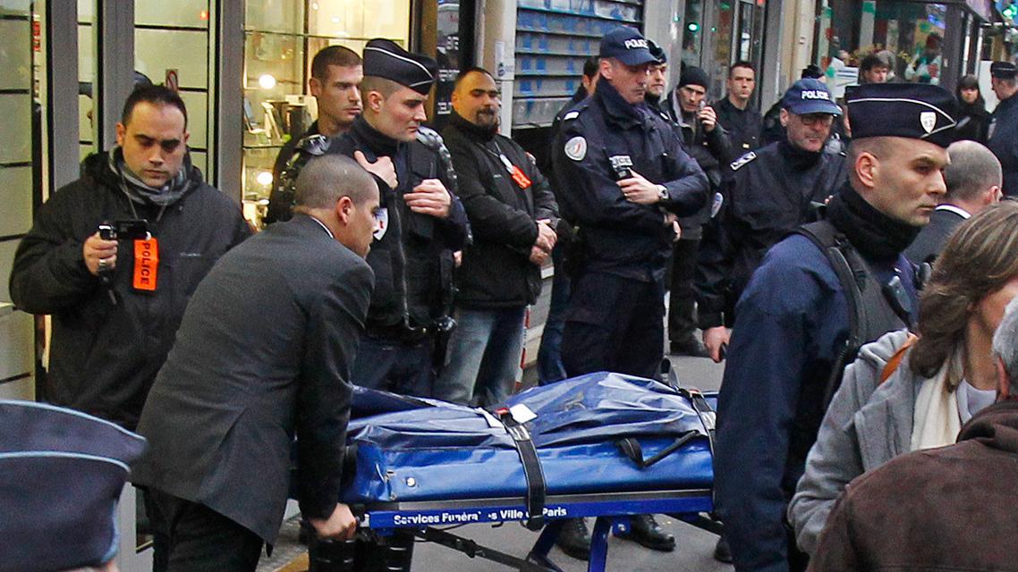 Francouzská policie odváží oběť útoku na kurdský institut