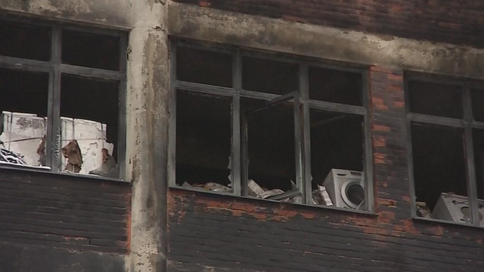 Ve vyhořelé budově byl sklad elektrospotřebičů