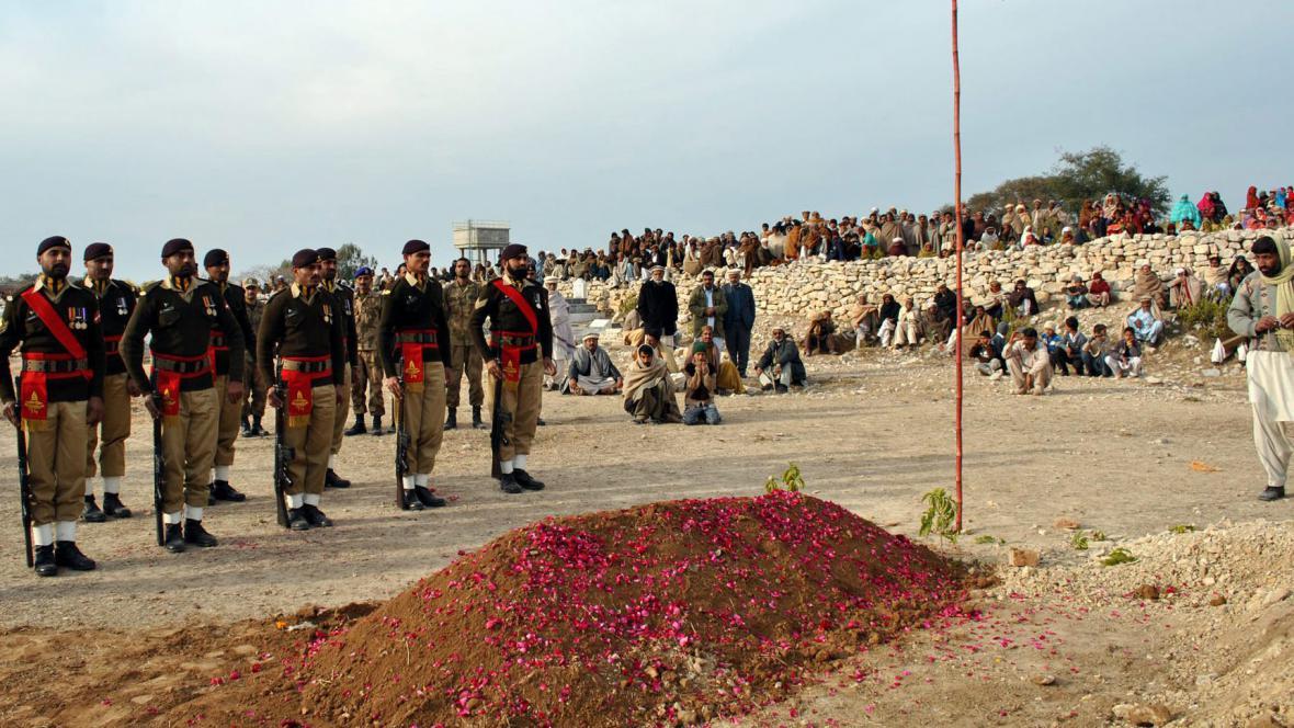 Pohřeb zabitého Pákistánce
