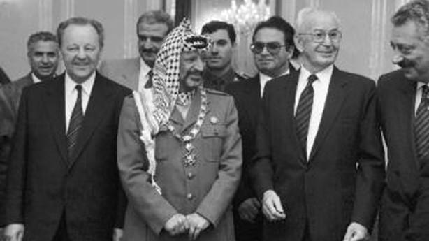 Miloš Jakeš, Gustáv Husák a Jásir Arafat