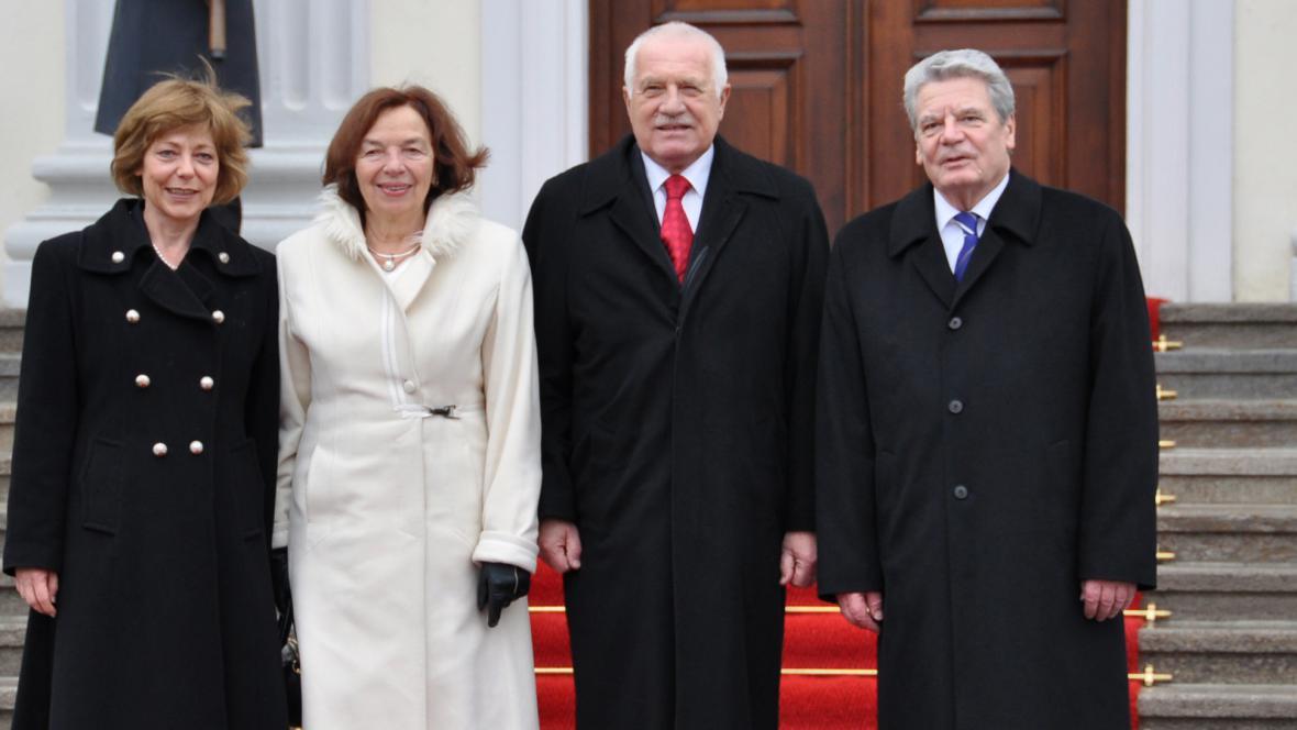 Prezidenti Česka a Německa s partnerkami