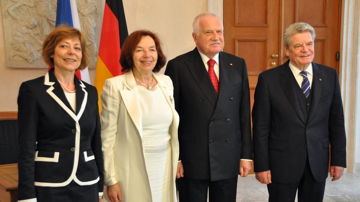 Václav Klaus a Joachim Gauck s partnerkami