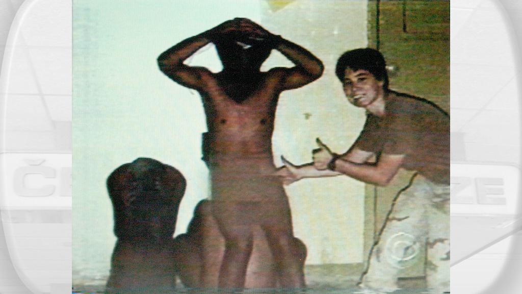 Týrání vězňů v Abú Ghrajb