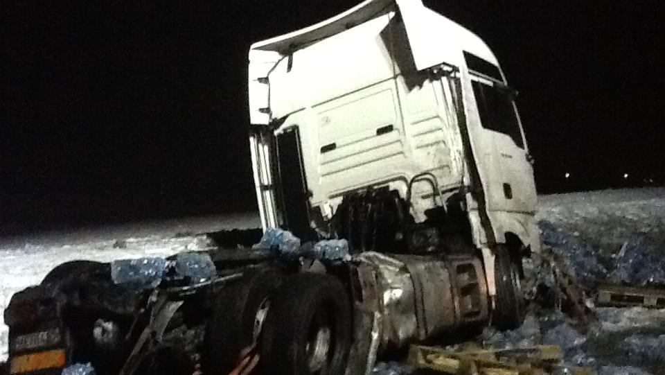 Noční nehoda kamionů na D2 u Hustopečí