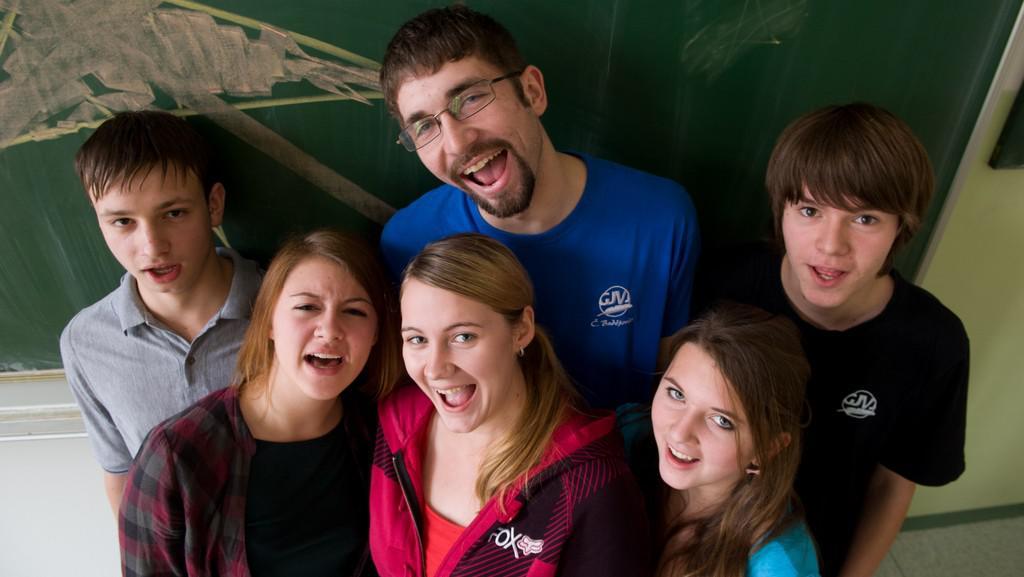 Studenti Gymnázia J. V. Jirsíka v Českých Budějovicích držící hladovku