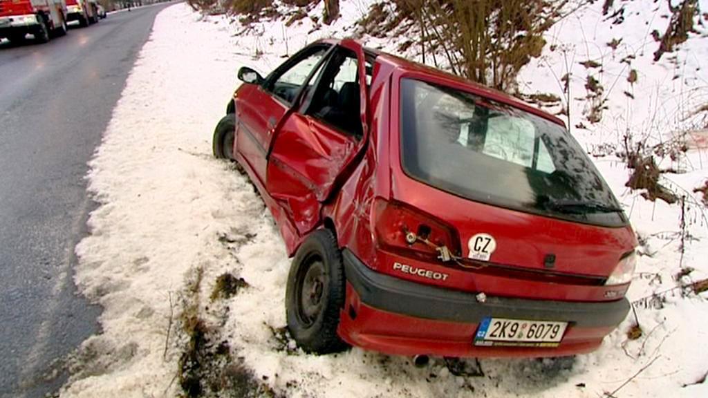 Auto v příkopu