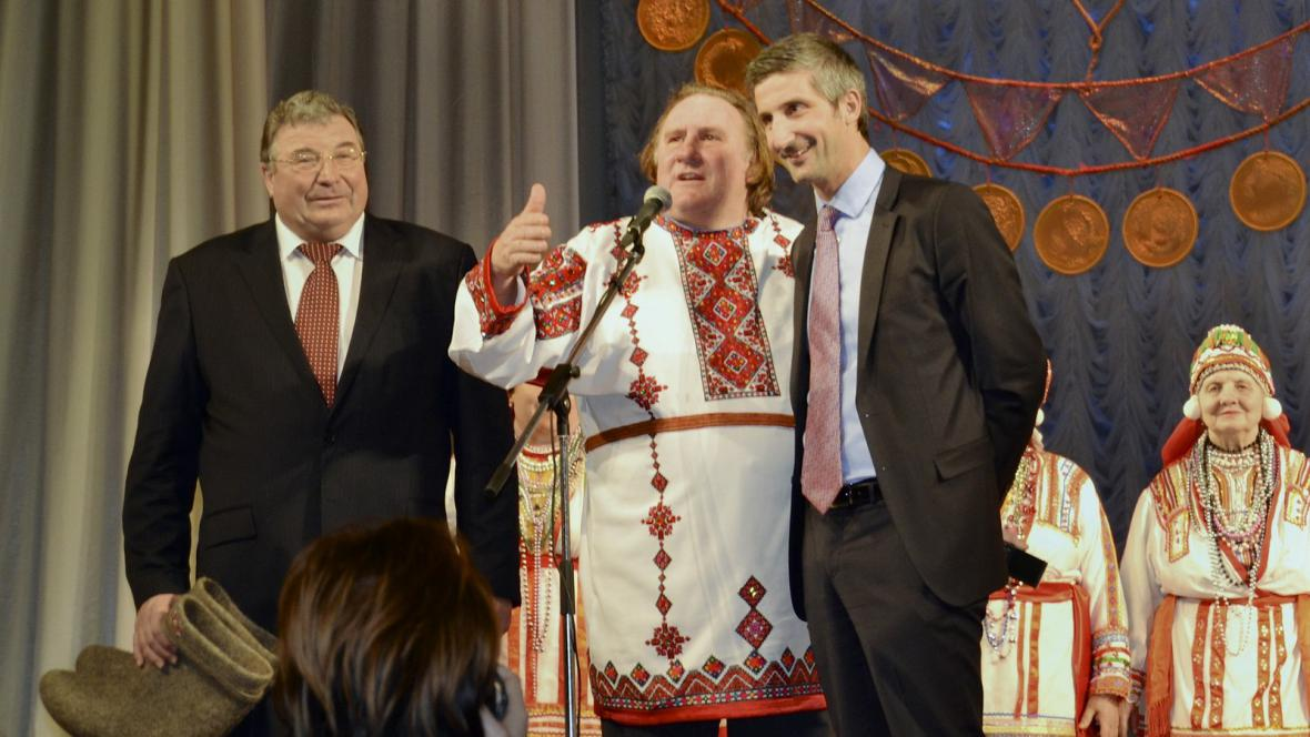 Gérard Deparideu v ruském kroji