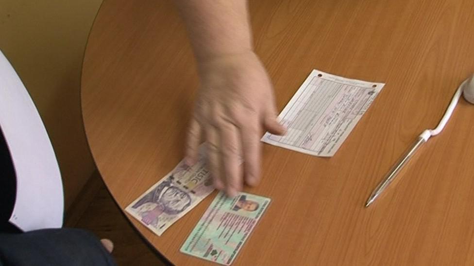 Výplata dávky pomoci pro amnestovaného