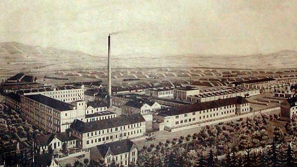 Sušická sirkárna na historické fotografii