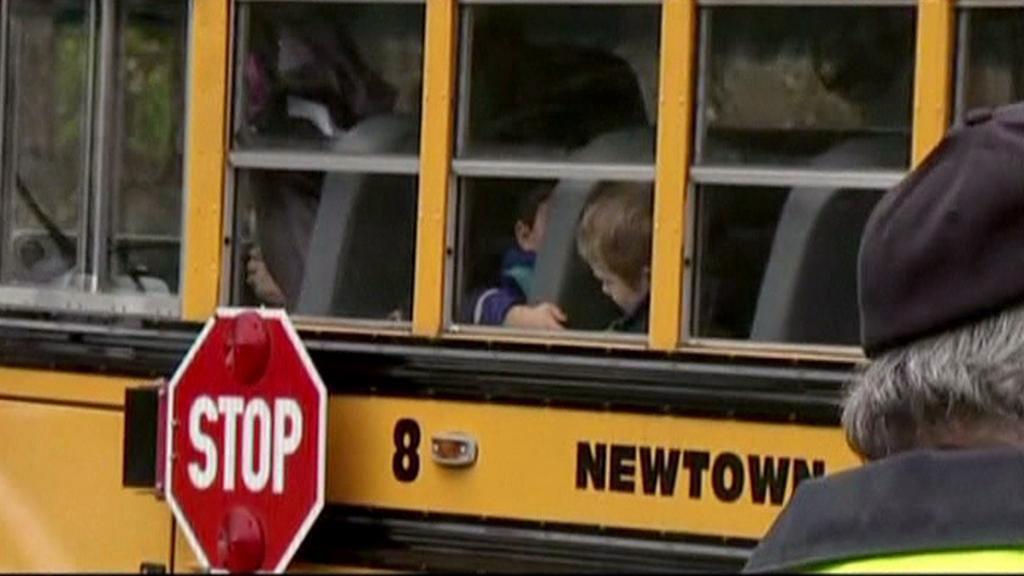 Děti z Newtownu se vracejí do škol