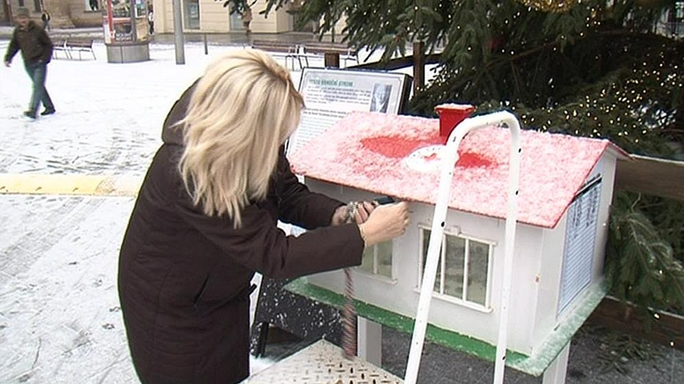 Vykradená kasička na náměstí Svobody v Brně