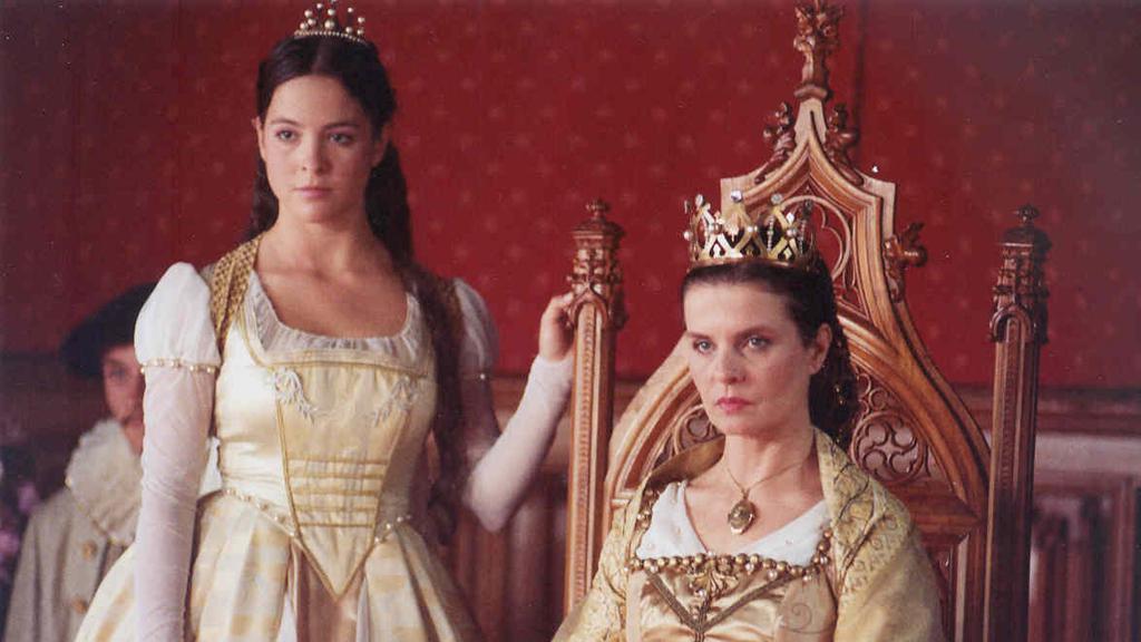 princezna (Kristýna Janáčková) a královna (Jana Krausová)