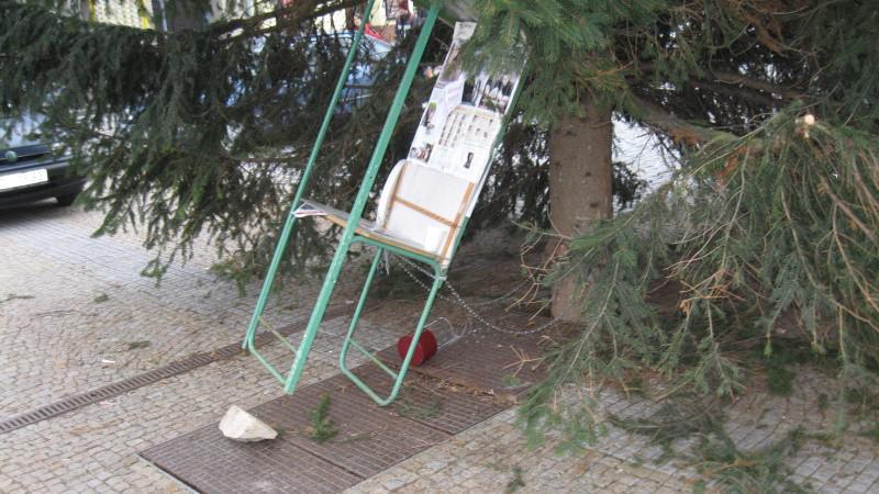 Kasičku na náměstí někdo vykradl už potřetí