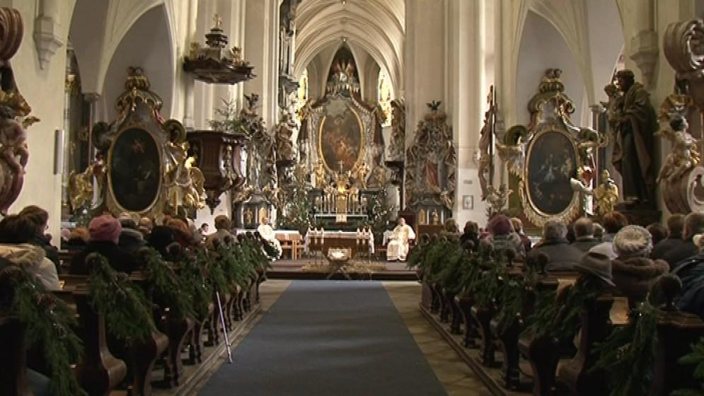 Věřící tráví Vánoce v želivském klášteře