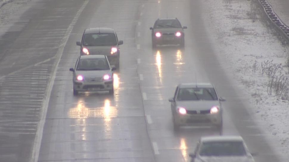 Sníh způsobil komplikace v dopravě