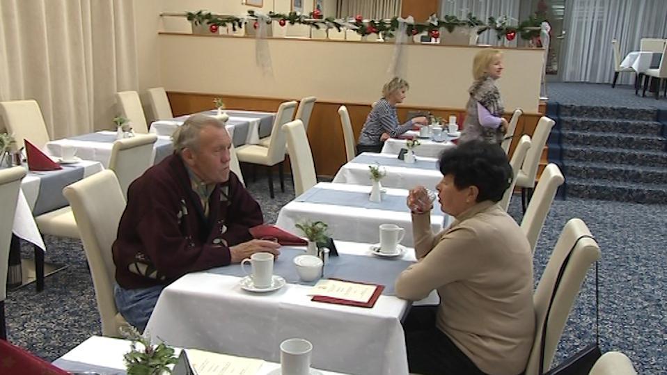 Manželé si užívají Vánoce v lázních