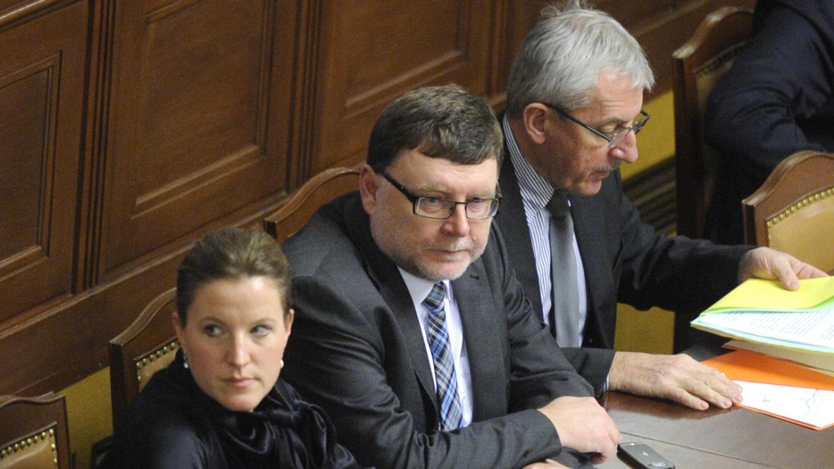 Karolína Peake, Zbyněk Stanjura a Leoš Heger