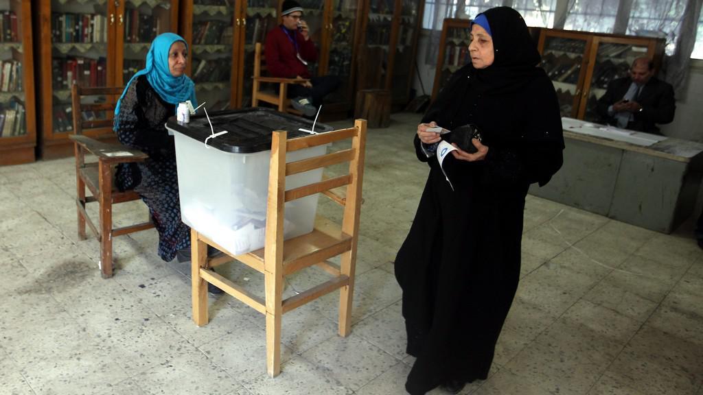 V Egyptě probíhá druhé kolo referenda o ústavě