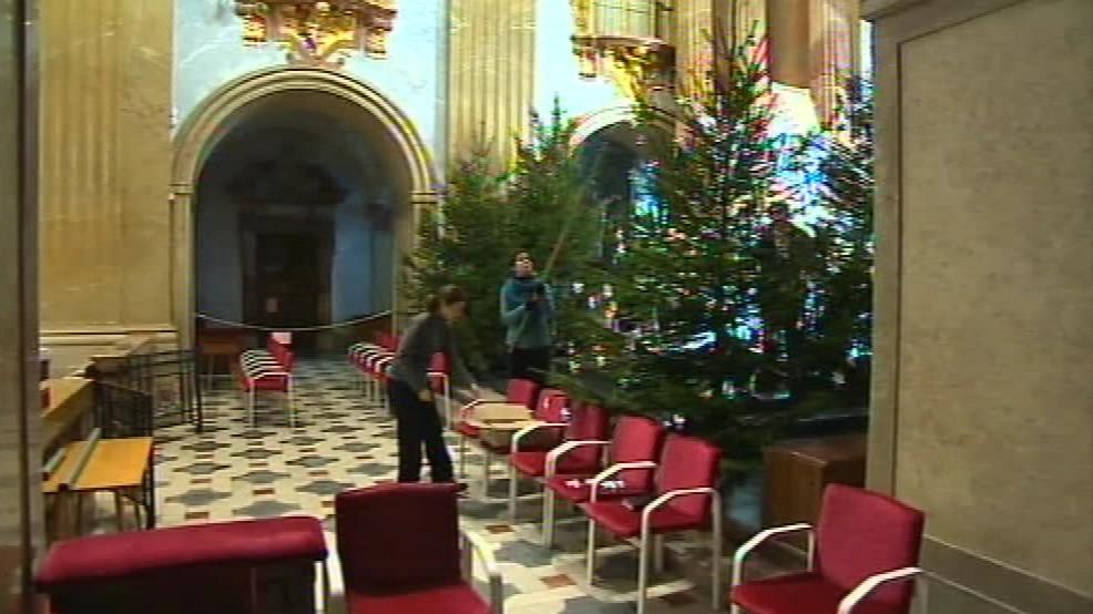 Po čtyřleté rekonstrukci už vánoční výzdobu nebude kazit lešení