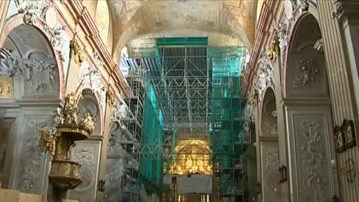 Lešení v bazilice? To už je nyní minulost