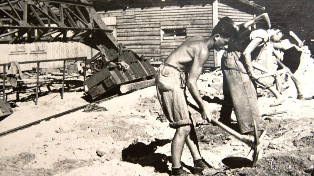 Historická fotografie ze stavby lipenské elektrárny