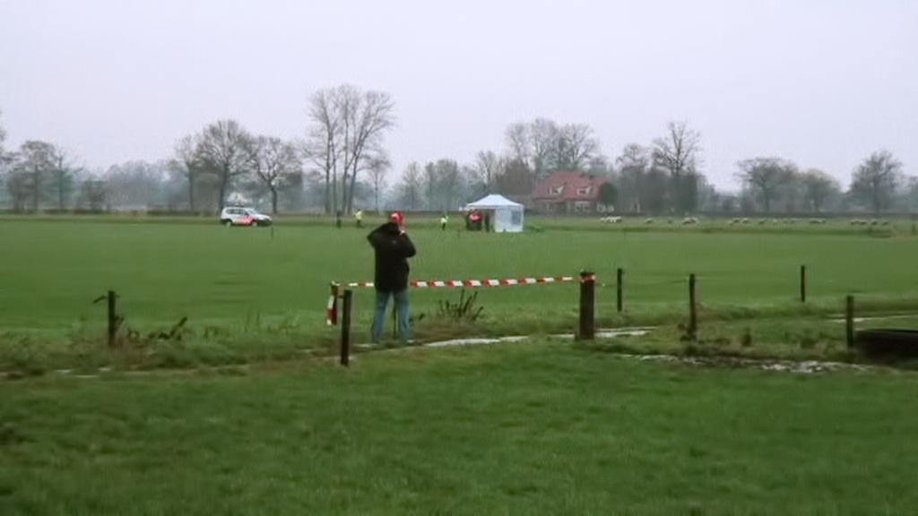 Nizozemská policie vyšetřuje smrt parašutisty