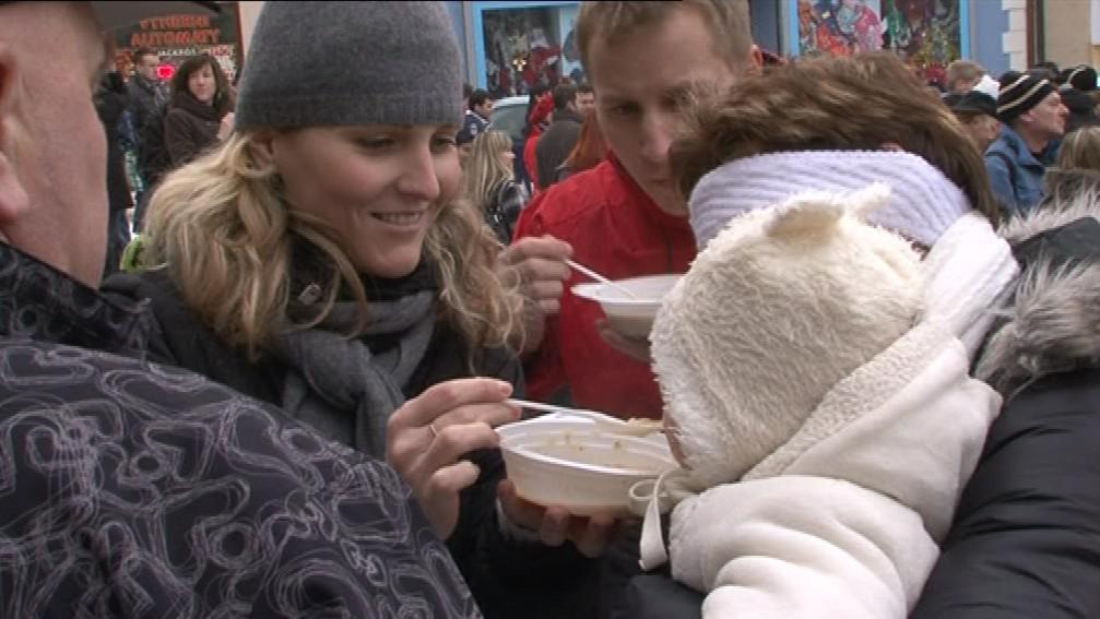 Z rozdávání polévky se stala v Boskovicích vánoční tradice