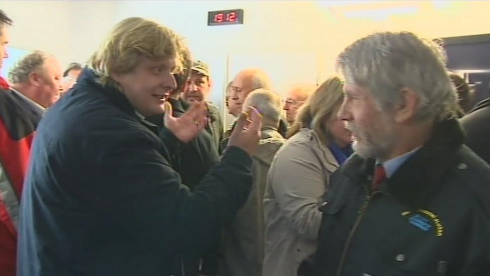 Na jednání přišli odpůrci i podporovatelé koalice