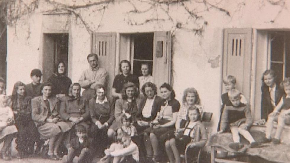 Archivní fotka školáků ze Žďárce