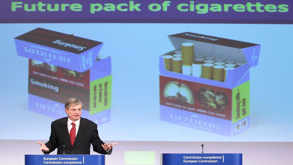 EK představila návrh krabiček od cigaret