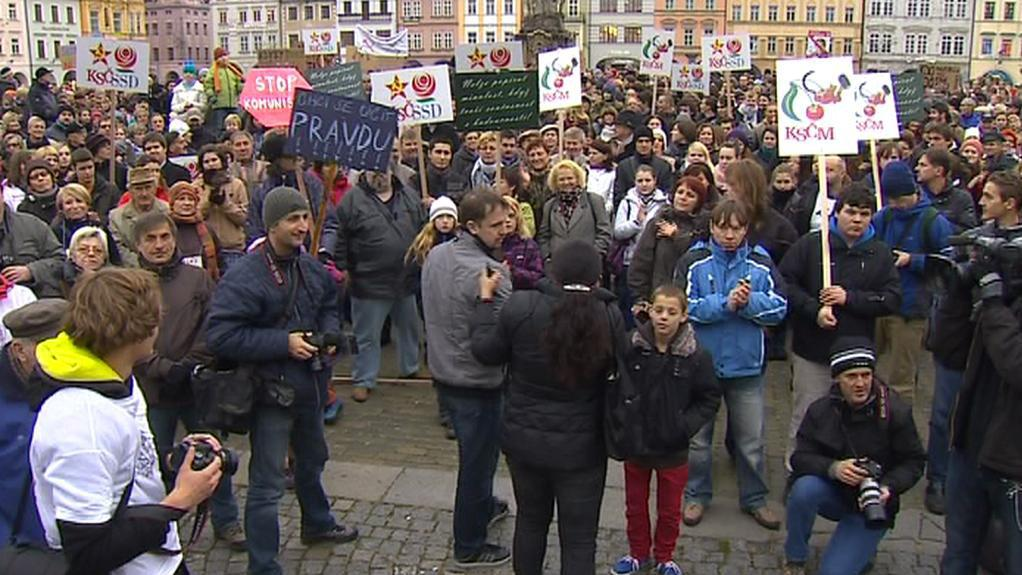 Protest proti krajské koalici s KSČM