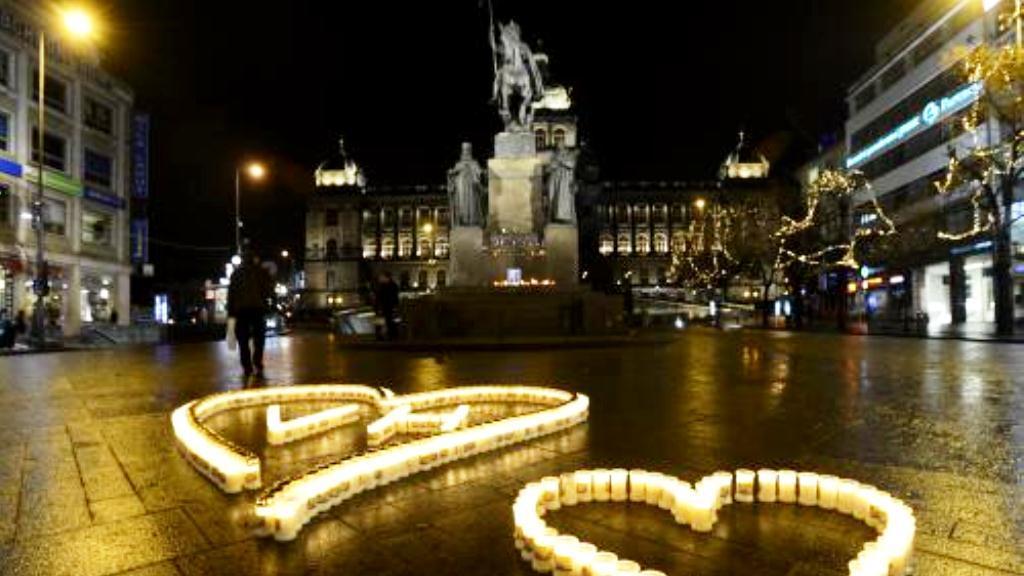 Václavské náměstí v noci na 18. prosince