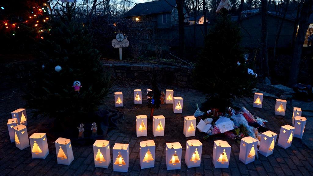 Spojené státy truchlí nad oběťmi masakru v Newtownu